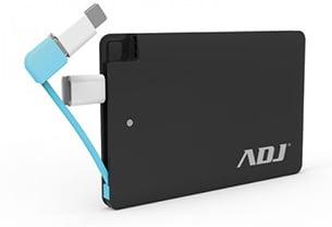 Batterij leeg op reis, een festival of op het strand? Powerbanks zijn de life savers!